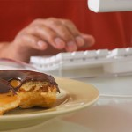photolibrary_rf_donut_by_computer